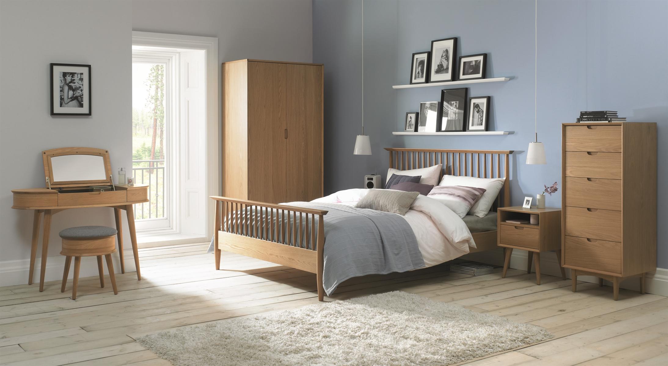 Bemtley design orbit oak bedroom